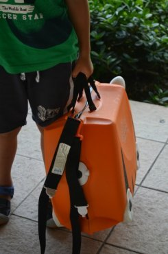 Carrying the Trunki