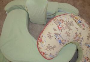 Add nursing pillow to your checklist
