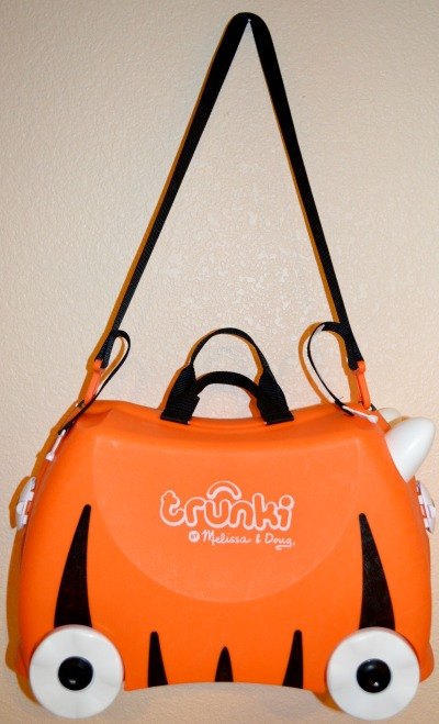 Trunki with shoulder strap