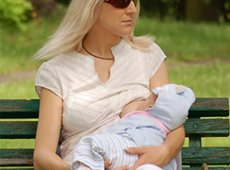 Learn all about breastfeeding in public